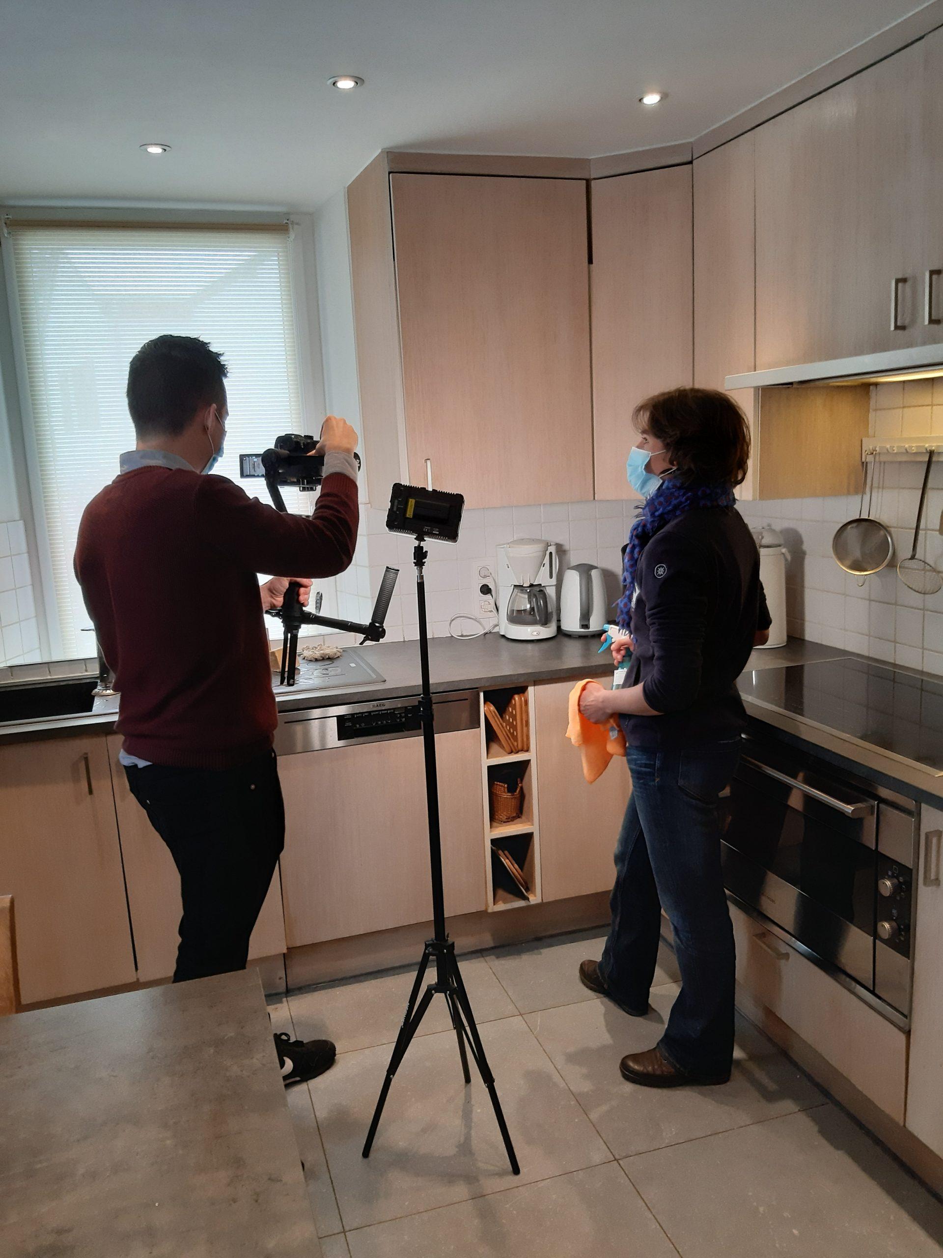 tournage tuto vidéo écogestes - La Grange de Lesse - entretien au naturel cuisine